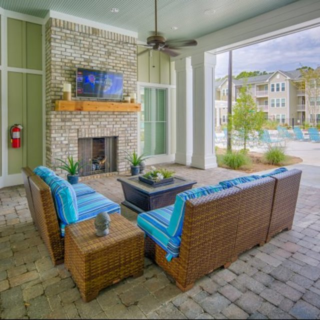Vinings at Carolina Bays Apartments, Myrtle Beach, SC - Outdoor Lounge